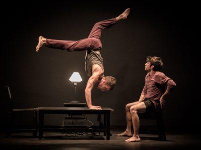 Fotografiando a actores de circo- El lado oscuro de las flores