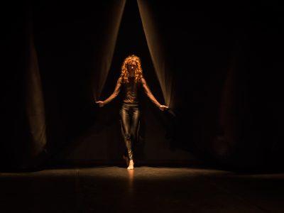 Fotografías de la performance Monstruo, Laila Tafur