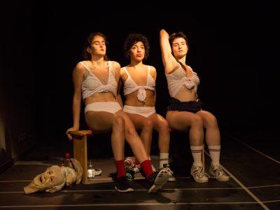 Fotografías de teatro, LAS HUECAS