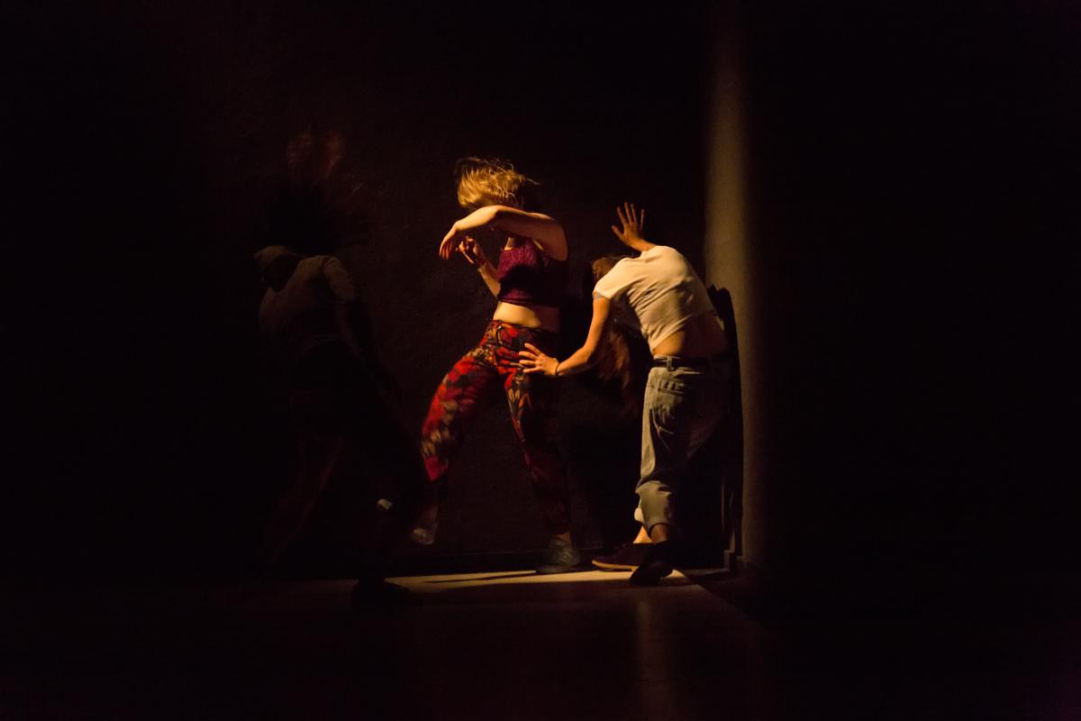 Fotografías de la pieza de danza Catalina del colectivo Iniciativa Sexual Femenina