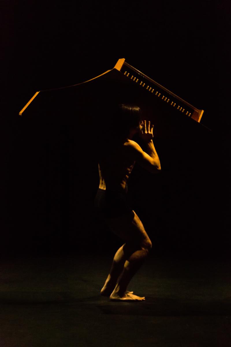 Fotografías de artes escénicas realizadas para la pieza de David fernandez El odio a la música
